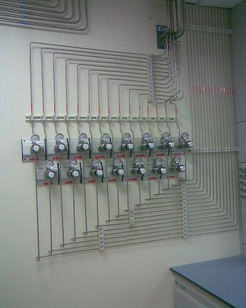 lab gas piping system